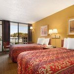 Foto van Days Inn Columbus - North Fort Benning - Airport