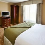 Holiday Inn Express & Suites Allen North - Event Centerの写真