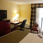Photo de BEST WESTERN PLUS Bridgeport Inn