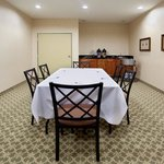 Photo de Holiday Inn Express Windsor - Sonoma County