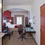 Foto van Holiday Inn Express Oklahoma City-Penn Sq