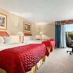 Baymont Inn & Suites Florida Mall/Airport West Foto