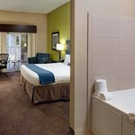 Photo de Holiday Inn Express & Suites Saginaw