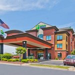 Photo de Holiday Inn Express Olive Branch