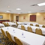 Foto van Holiday Inn Express Cleveland-Richfield