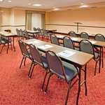 Holiday Inn Express Hotel & Suites Andover/East Wichitaの写真