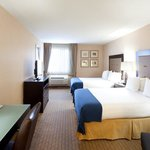 Photo of Holiday Inn Express & Suites Seattle Sea-Tac Airport
