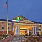Photo de Holiday Inn Express Hotel & Suites Sparta