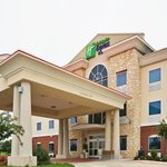 Photo de Holiday Inn Express Hotel & Suites New Boston