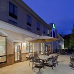 Photo de Holiday Inn Express Hotel & Suites Winchester