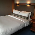 Aloft London Excel resmi