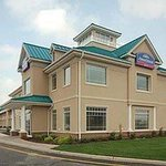 Photo of Howard Johnson Hotel -Toms River