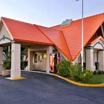 Howard Johnson Express Inn - Tampa North/Busch Gardens