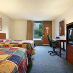 Howard Johnson Inn & Suites Springfieldの写真