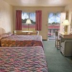 Foto de Howard Johnson Express Inn Modesto Ceres