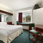 Photo de Microtel Inn & Suites by Wyndham Kannapolis/Concord
