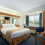 Microtel Inn & Suites by Wyndham Lillington Foto