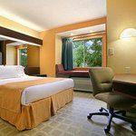 Microtel Inn By Wyndham Cornelius/Lake Norman