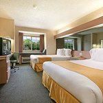 Microtel Inn by Wyndham Greensboroの写真