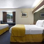 Foto de Microtel Inn & Suites by Wyndham Gatlinburg