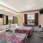 Microtel Inn & Suites by Wyndham Euless/DFW Airport Foto