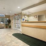 Days Inn Sturbridge resmi