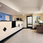 Foto van Days Inn and Suites Rancho Cordova