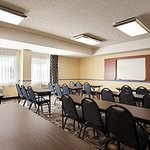 Φωτογραφία: Days Inn and Suites Rancho Cordova