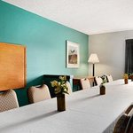 Ramada Limited Louisville/Near Expo Center resmi