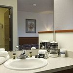 Photo de Travelodge Suites - Newberg