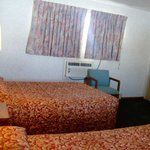 Photo de Budget Inn Clearfield