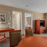 Foto de Days Inn & Suites - Cochrane