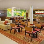 Photo de Courtyard by Marriott Lafayette