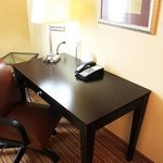 Photo de Holiday Inn Express Hotel & Suites Shreveport West