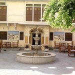 Foto de Chakra Resorts: Ratan Haveli Resort at Jaipur