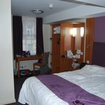 Photo de Premier Inn London Victoria