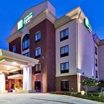 Holiday Inn Hotel Express & Suites West Hurstの写真
