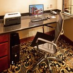 Holiday Inn Express Hotel & Suites Oklahoma City West-Yukonの写真
