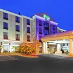 Photo de Holiday Inn Express & Suites Rome-East