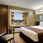 Microtel Inn & Suites by Wyndham Prairie du Chienの写真