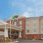 Foto di Holiday Inn Express & Suites Greensboro Airport