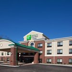 Photo de Holiday Inn Express Hotel & Suites Zanesville North