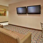 Foto van Holiday Inn Express Hotel & Suites Pittsburg
