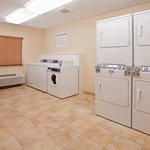 Candlewood Suites Northeastの写真