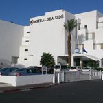 Astral Seaside Hotel照片