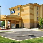 Photo of Days Inn & Suites Russellville