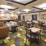 Holiday Inn Express & Suites Omaha I-80照片