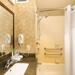 Φωτογραφία: Holiday Inn Express Hotel & Suites Tullahoma East