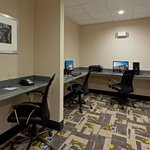 Photo de Holiday Inn Express Hotel & Suites Batavia - Darien Lake