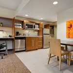 Home2 Suites by Hilton Jacksonville, NCの写真